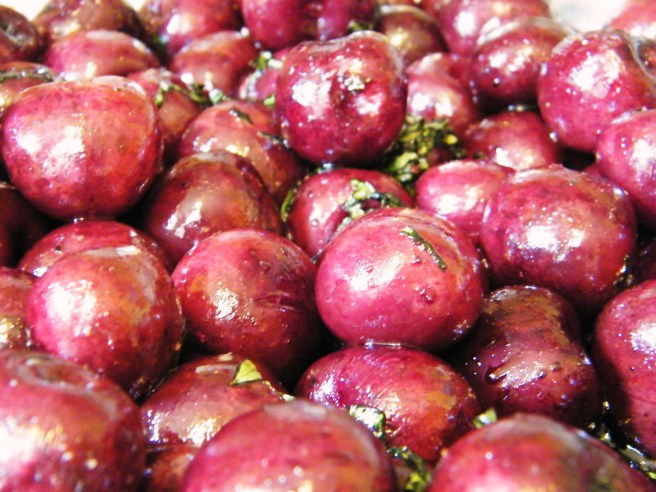 A closer view of the roasted cherries.