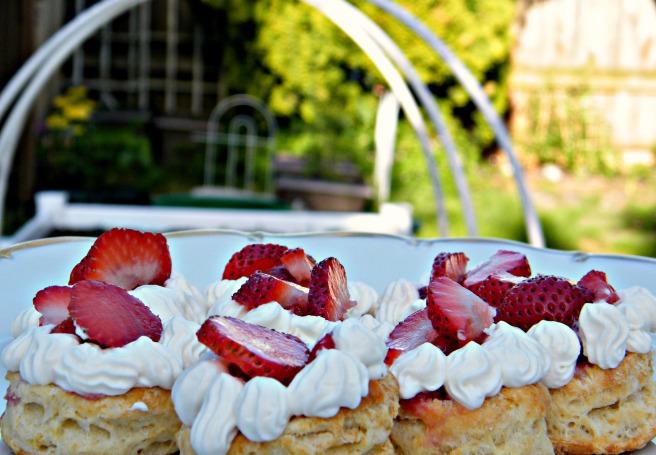 Plateful of shortcakes